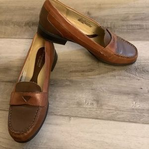 NWOT Naturalizer Brown Loafers 8.